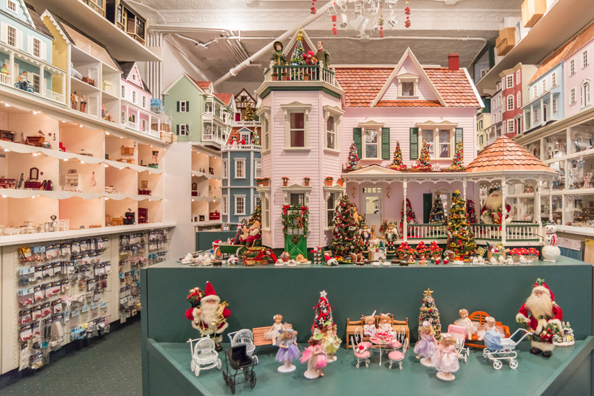 Dolls House - miniature stores - New York City Forum ...